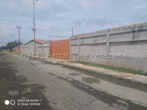 Galpon - Deposito En Ventaen Ciudad Ojeda, Barrio Libertad, Venezuela, VE RAH: 22-4490
