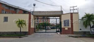 Apartamento En Ventaen Higuerote, La Costanera, Venezuela, VE RAH: 22-5043