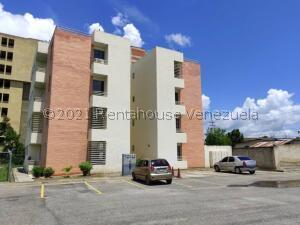 Apartamento En Alquileren Cabudare, Centro, Venezuela, VE RAH: 22-4509