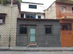 Casa En Ventaen Caracas, Catia, Venezuela, VE RAH: 22-4512