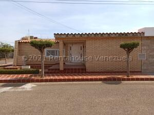 Casa En Ventaen Maracaibo, Santa Fe, Venezuela, VE RAH: 22-4518