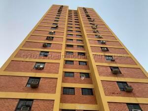 Apartamento En Ventaen Municipio Naguanagua, Palma Real, Venezuela, VE RAH: 22-4527