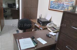 Oficina En Ventaen Caracas, Parroquia Santa Teresa, Venezuela, VE RAH: 22-4565
