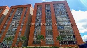 Apartamento En Ventaen Caracas, El Encantado, Venezuela, VE RAH: 22-4578