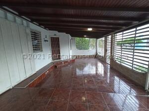 Casa En Ventaen Barquisimeto, Parroquia El Cuji, Venezuela, VE RAH: 22-4582