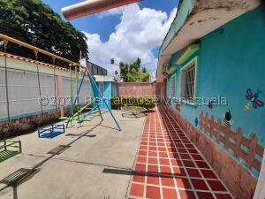 Local Comercial En Ventaen Acarigua, Centro, Venezuela, VE RAH: 22-4583