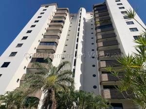 Apartamento En Ventaen Valencia, Los Mangos, Venezuela, VE RAH: 22-4599