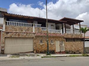Casa En Ventaen Caracas, La Trinidad, Venezuela, VE RAH: 22-4631