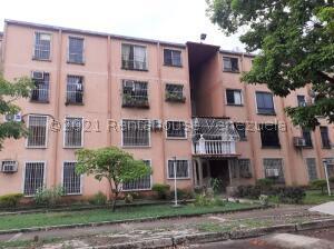 Apartamento En Ventaen San Joaquin, La Pradera, Venezuela, VE RAH: 22-4640