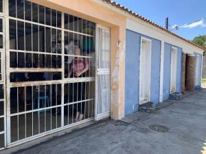 Casa En Ventaen Municipio Libertador, La Honda, Venezuela, VE RAH: 22-4646