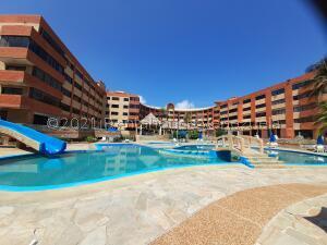 Apartamento En Ventaen Tucacas, Tucacas, Venezuela, VE RAH: 22-927