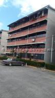 Apartamento En Alquileren Guarenas, Ciudad Casarapa, Venezuela, VE RAH: 22-4687