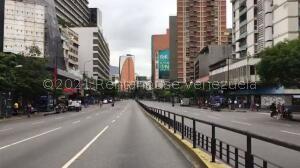 Local Comercial En Ventaen Caracas, Chacao, Venezuela, VE RAH: 22-4869