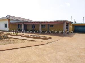Casa En Ventaen Punto Fijo, Campo Maraven, Venezuela, VE RAH: 22-4685