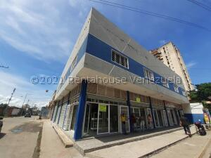 Local Comercial En Alquileren Maracay, Zona Centro, Venezuela, VE RAH: 22-4705