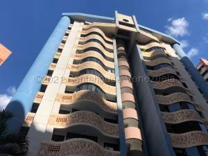 Apartamento En Ventaen Valencia, El Bosque, Venezuela, VE RAH: 22-4707