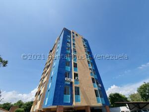 Apartamento En Ventaen Cabudare, La Mata, Venezuela, VE RAH: 22-4715