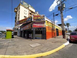 Local Comercial En Ventaen Maracay, Avenida Bolivar, Venezuela, VE RAH: 22-4724