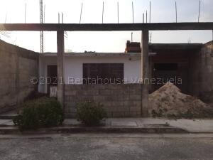 Casa En Ventaen Municipio Libertador, Santa Paula, Venezuela, VE RAH: 22-4734