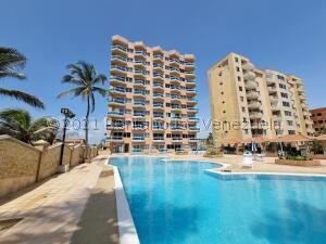 Apartamento En Ventaen Tucacas, Tucacas, Venezuela, VE RAH: 22-4776