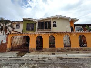 Casa En Ventaen Barquisimeto, Club Hipico Las Trinitarias, Venezuela, VE RAH: 22-4795