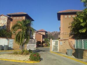 Casa En Ventaen Municipio San Diego, Villas De San Diego, Venezuela, VE RAH: 22-4807