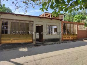 Casa En Ventaen Carretera Cumana Mariguitar, Ensenada Honda, Venezuela, VE RAH: 22-4879