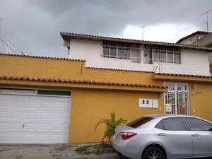 Casa En Ventaen Caracas, El Marques, Venezuela, VE RAH: 22-4895