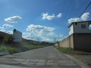 Terreno En Ventaen Municipio San Diego, Sabana Del Medio, Venezuela, VE RAH: 22-4989