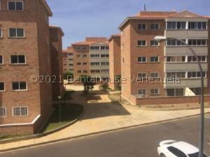 Apartamento En Ventaen Punto Fijo, Carirubana, Venezuela, VE RAH: 22-5021