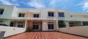 Townhouse En Ventaen Maracaibo, Avenida Milagro Norte, Venezuela, VE RAH: 22-5027