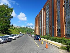 Apartamento En Ventaen Caracas, El Encantado, Venezuela, VE RAH: 22-5051