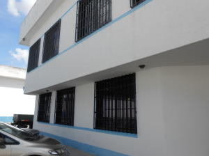 Local Comercial En Ventaen Valencia, Zona Industrial, Venezuela, VE RAH: 22-5063