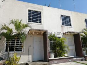 Casa En Ventaen Barquisimeto, Terrazas De La Ensenada, Venezuela, VE RAH: 22-5175