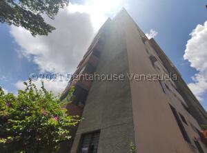 Apartamento En Ventaen Barquisimeto, Parroquia Santa Rosa, Venezuela, VE RAH: 22-5185