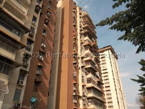 Apartamento En Ventaen Maracay, Avenida Bolivar, Venezuela, VE RAH: 22-5212