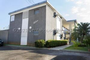 Apartamento En Alquileren Maracaibo, Tierra Negra, Venezuela, VE RAH: 22-5214