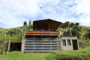 Casa En Ventaen Tabay, Los Llanitos De Tabay, Venezuela, VE RAH: 22-5209