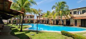 Townhouse En Ventaen Higuerote, Via Curiepe, Venezuela, VE RAH: 22-5229