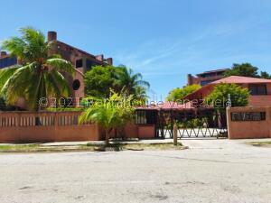 Apartamento En Ventaen Margarita, Costa Azul, Venezuela, VE RAH: 22-5277
