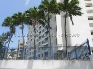 Apartamento En Ventaen Parroquia Caraballeda, Tanaguarena, Venezuela, VE RAH: 22-5619