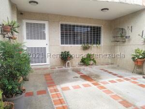 Casa En Ventaen Municipio Naguanagua, Las Quintas, Venezuela, VE RAH: 22-5353