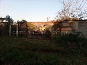 Terreno En Ventaen Municipio San Diego, Los Bachilleres, Venezuela, VE RAH: 22-5321
