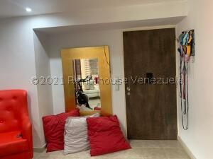 Apartamento En Ventaen Caracas, Parroquia La Candelaria, Venezuela, VE RAH: 22-5368