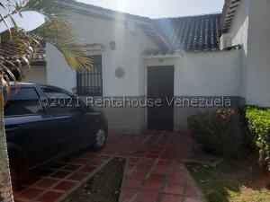 Apartamento En Ventaen Higuerote, Via Curiepe, Venezuela, VE RAH: 22-5365