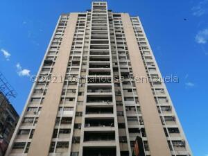 Apartamento En Ventaen Caracas, Parroquia La Candelaria, Venezuela, VE RAH: 22-5423