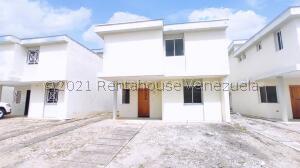 Casa En Ventaen Araure, Araure, Venezuela, VE RAH: 22-5404