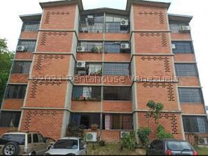 Apartamento En Ventaen Guarenas, Nueva Casarapa, Venezuela, VE RAH: 22-5413