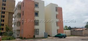 Apartamento En Ventaen Cabudare, Centro, Venezuela, VE RAH: 22-5495