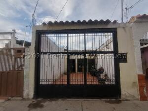 Casa En Ventaen Barquisimeto, Centro, Venezuela, VE RAH: 22-5502